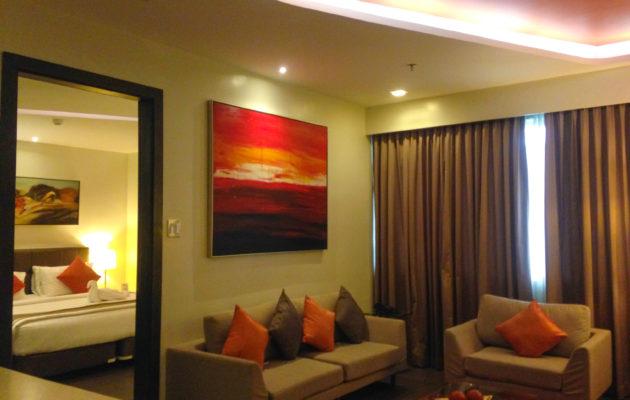 Bayfront Hotel Cebu - Bean in Transit